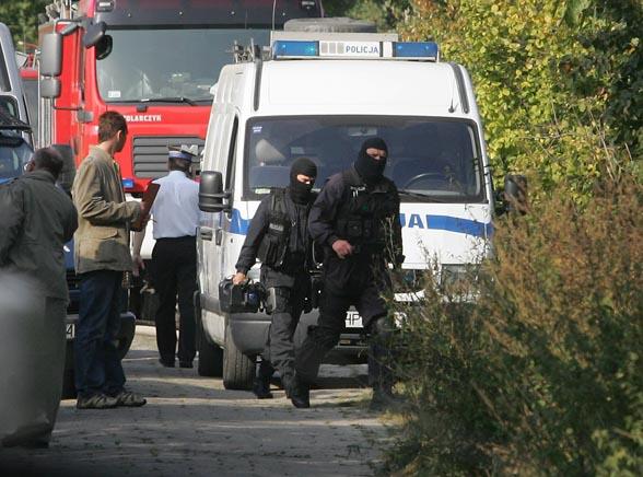Rodzinna strzelanina pod Warszawą. Są zabici