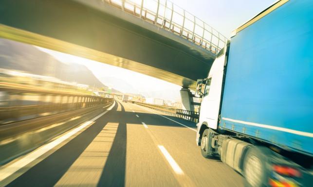 Ta decyzja komisji transportu PE ucieszy polskich przewoźników.