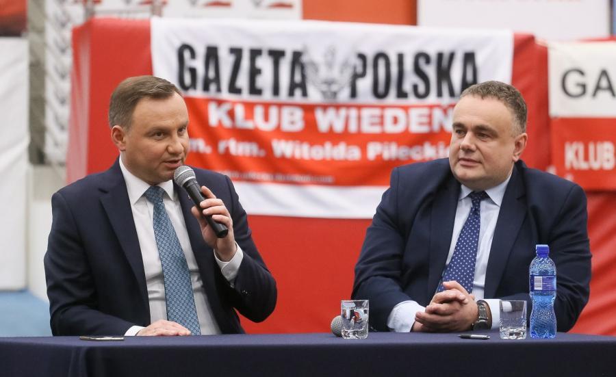 Żaden kraj, który został objęty mechanizmem relokacji, nie wykonał tych założeń; nie spodziewam się żadnych konsekwencji - mówił w sobotę w radiowej Trójce Jacek Sasin (PiS