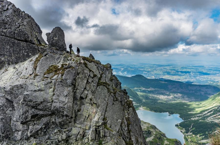 Duży ruch w Tatrach nawet na Orlej Perci