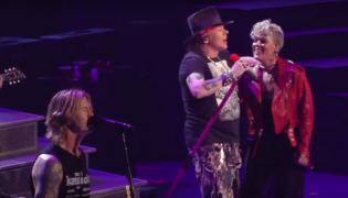 Pink razem z Guns N' Roses