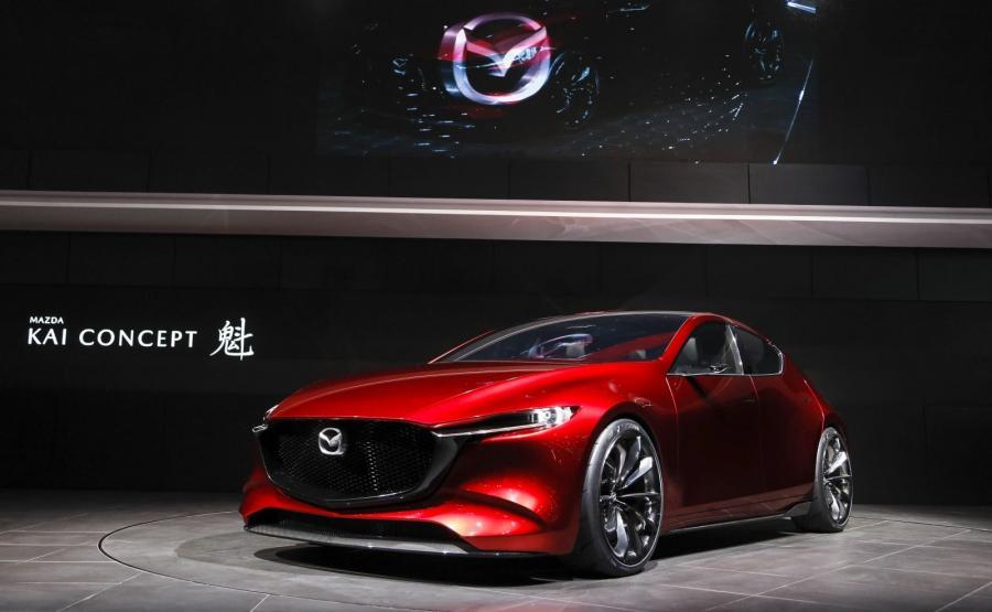 Mazda KAI Concept. Nowa jednostka Skyactive-X (2 litry pojemności, 4 cylindry, bezpośredni wtrysk, kompresor i moc ok. 190 KM) ma zadebiutować na rynku w 2019 roku razem z nową \