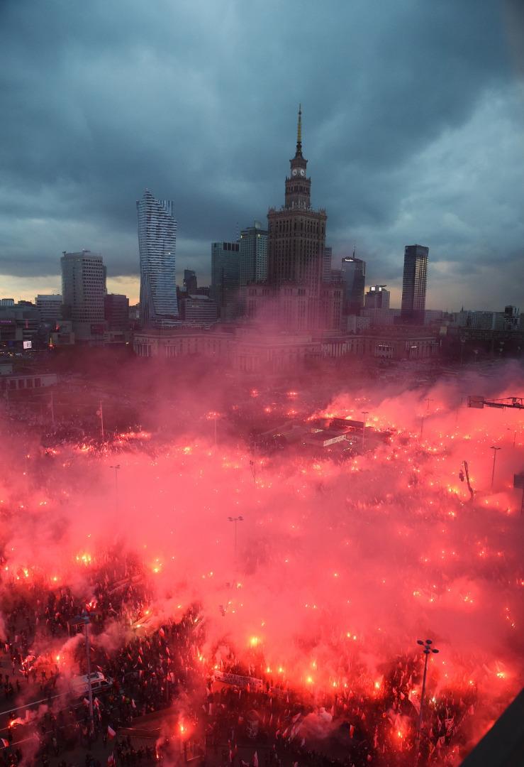 Marsz Niepodległości rusza spod ronda Dmowskiego