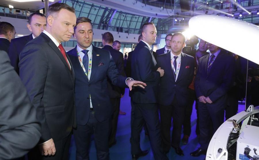Prezydent Andrzej Duda i Karol Zarajczyk, prezes Ursusa