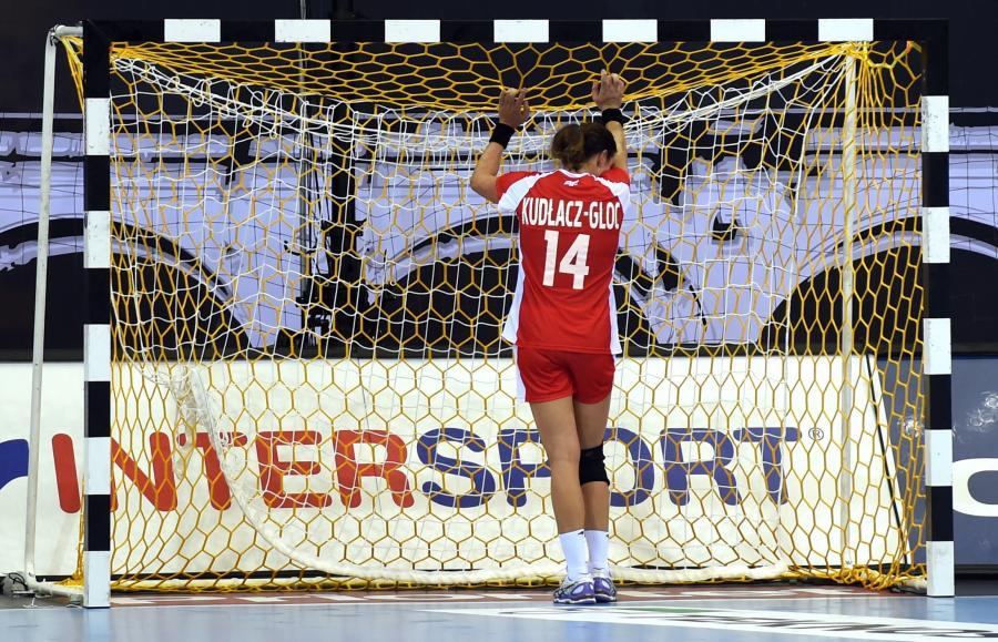 Karolina Kudłacz-Gloc po meczu grupy B mistrzostw świata w piłce ręcznej kobiet z Węgierkami