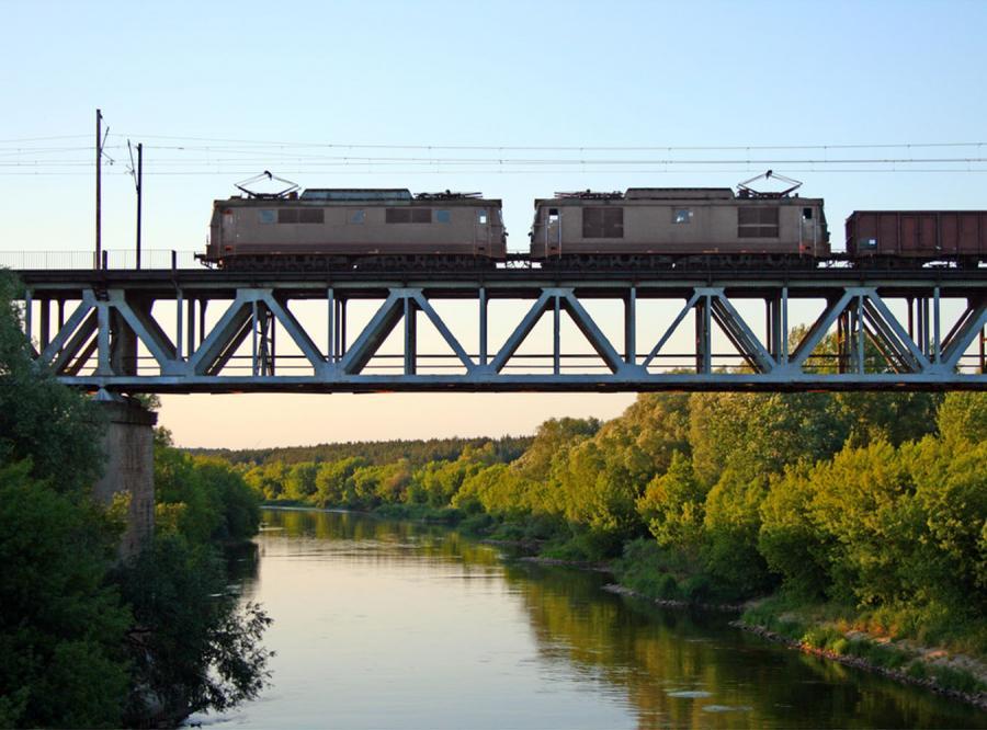 Skrócą jazdę pociągu... o 3 minuty