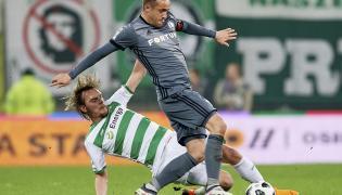 Piłkarz Lechii Gdańsk Milos Krasic (L) i Miroslav Radovic (P) z Legii Warszawa
