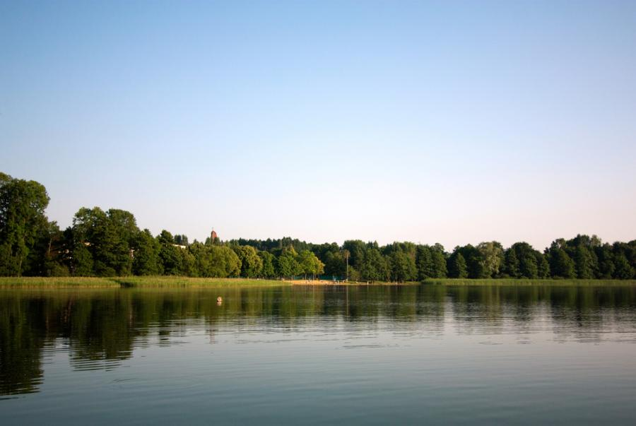 Widok z mariny na Jeziorze Kortowskim