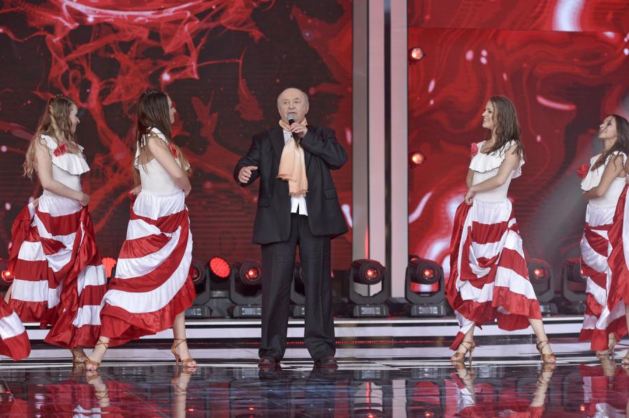 Bohdan Łazuka na scenie w Opolu z niesmiertelnym \
