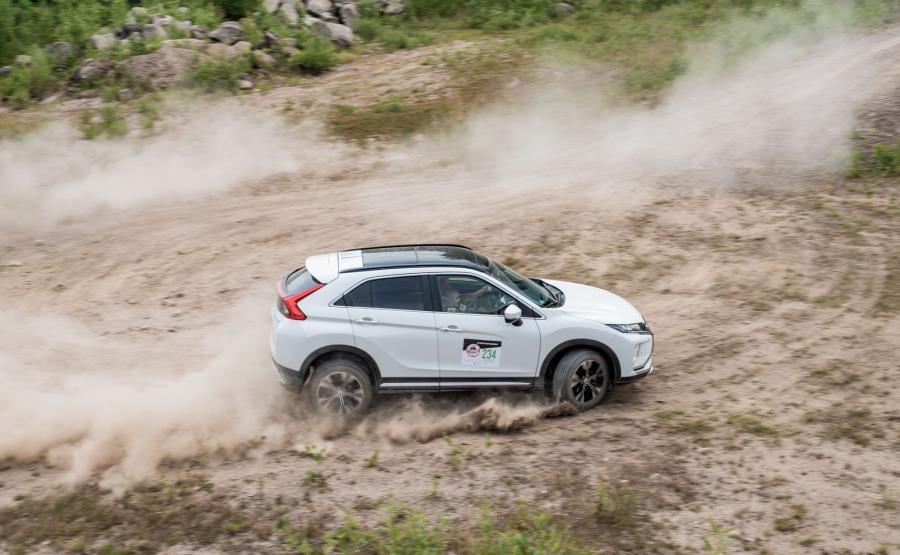 Atrakcją były jazdy testowe najnowszym modelem SUV-a coupe – Mitsubishi Eclipse Cross oraz możliwość pokonania toru offroad Mitsubishi L200 Monster i Mitsubishi Pajero Adventure przygotowanych do jazdy w trudnym terenie