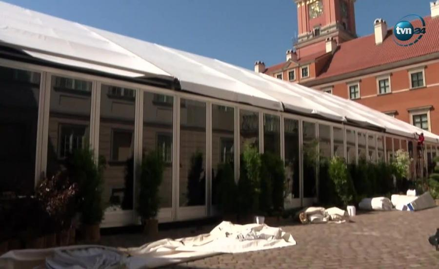 Namiot przed Zamkiem Królewskim