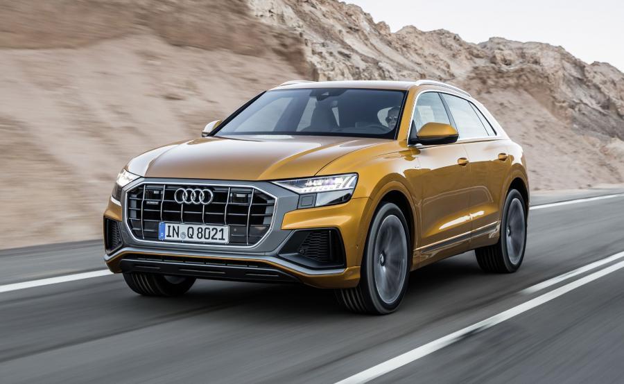 Audi Q8 łączy trzy obecnie wiodące trendy w motoryzacji - oferuje sportowe osiągi, pochodzi z klasy premium no i jest SUV-em