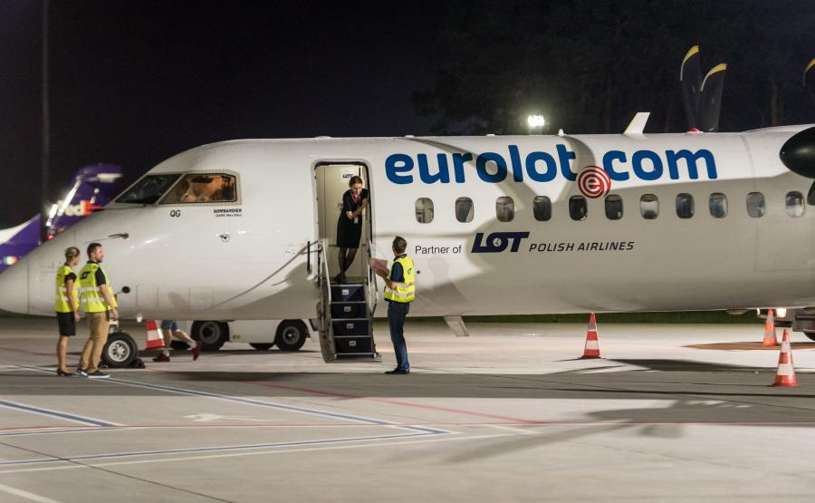 Samolot PLL LOT Bombardier Q400
