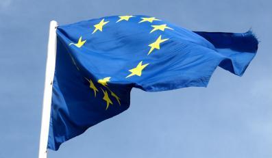Komisja Europejska broni Polskę