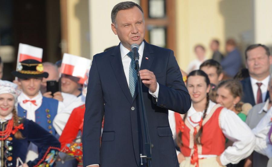 Prezydent Andrzej Duda podczas spotkania z mieszkańcami Leżajska