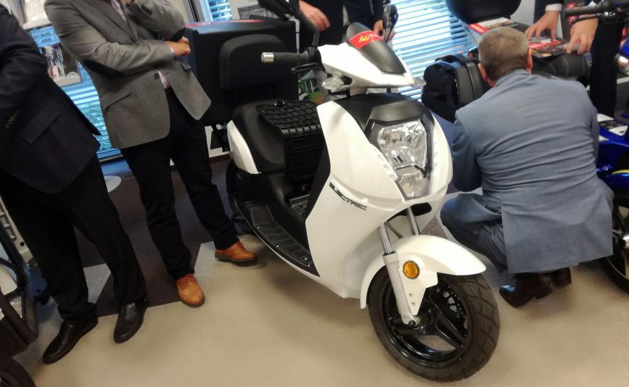 Vectrix VX-2 - cena tego elektrycznego skutera dla flot to 12 tys. zł netto