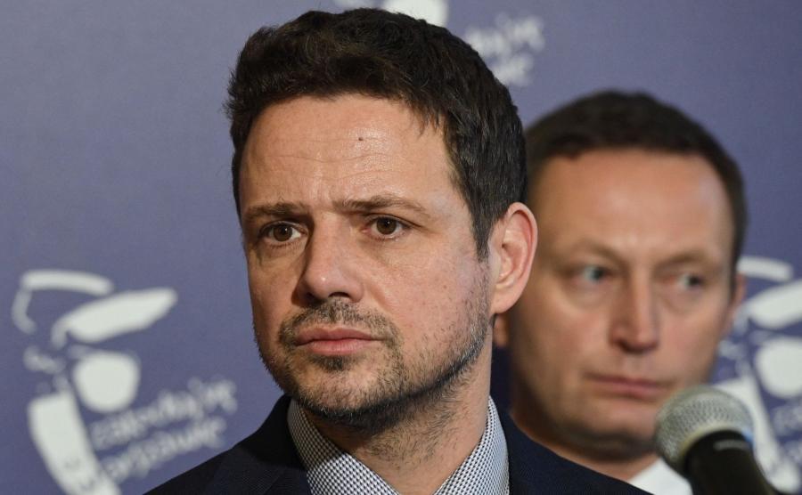 Prezydent Warszawy Rafał Trzaskowski i wiceprezydent Paweł Rabiej podczas konferencji prasowej \