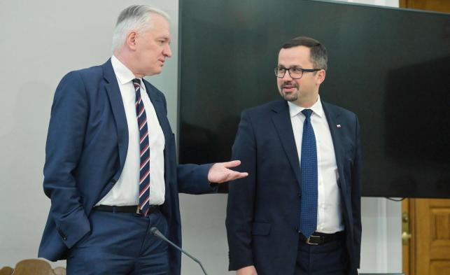 Były minister sprawiedliwości, obecny wicepremier i minister nauki Jarosław Gowin oraz przewodniczący komisji Marcin Horała