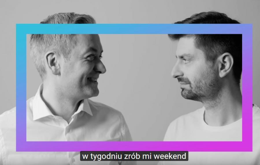 Robert Biedroń i Krzysztof Śmiszek w teledysku MoMo
