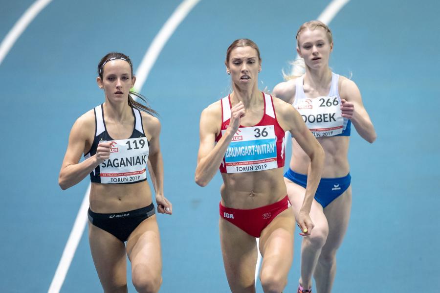 Justyna Saganiak (L), Iga Baumgart-Witan (C) i Anna Dobek (P)