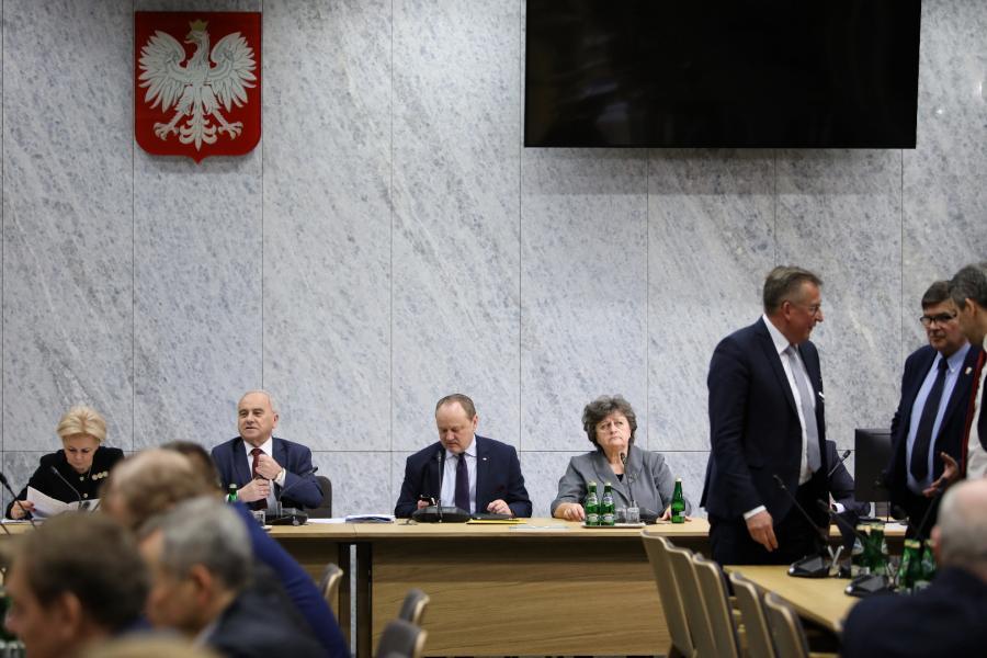 Komisja finansów publicznych