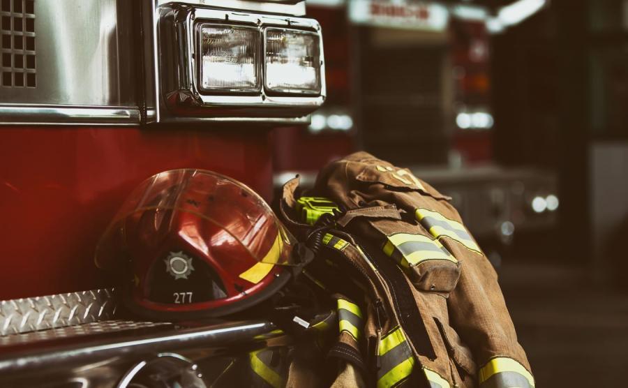 Odzież ochronna. Straż pożarna -  zdjęcie ilustracyjne