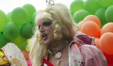 Centrolewicę poparły diwy klubów gejowskich