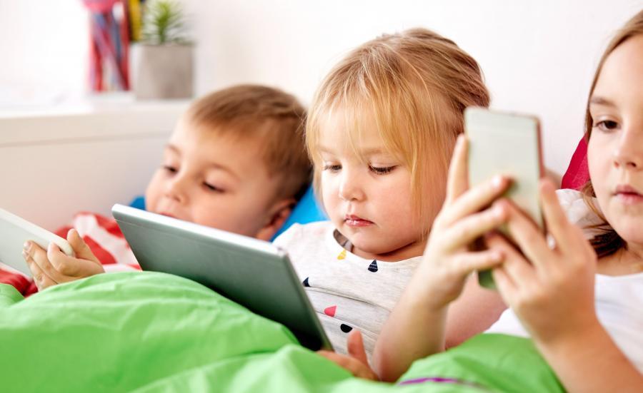 Tablet i smartfon to nie sprzęt dla dzieci