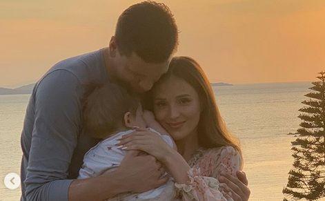 Marina i Wojtek Szczęśni z synkiem