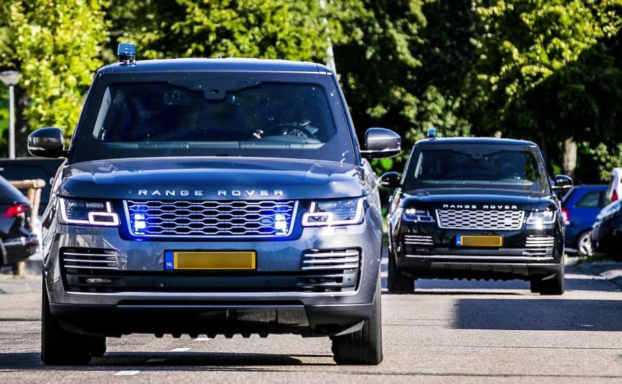 Boss mafii Willem Holleeder przewożony do sądu w eskorcie policji