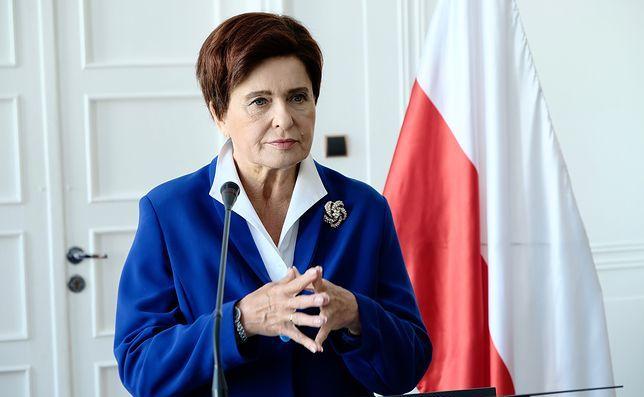 Ewa Kasprzyk jako Beata Szydło w filmie \