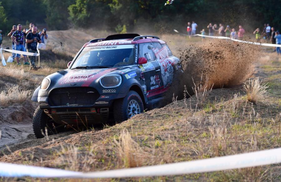 Krzysztof Hołowczyc i Łukasz Kurzeja (MINI John Cooper Works Rally) na trasie terenowego rajdu Orlen Baja Poland - eliminacji Pucharu Świata