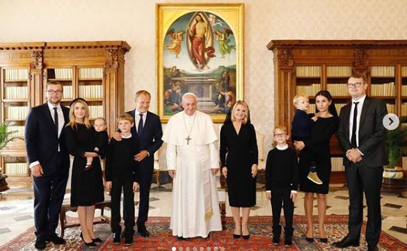 rodzina Tusków na audiencji u papieża Franciszka