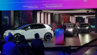 Volkswagen ID.3 i kanclerz Angel Merkel
