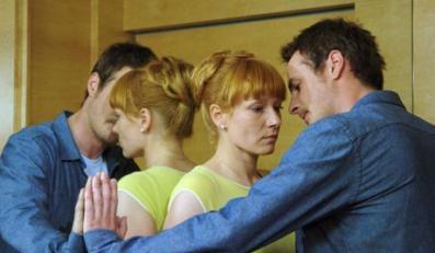 """Serial TVN """"Twarza w Twarz"""" odcinek 4, Magda Walach-Marta, Aleksandra Mikolajczyk- Agnieszka , Pawel Malaszynski- Wazka (Wiktor) ,2007-05-23"""