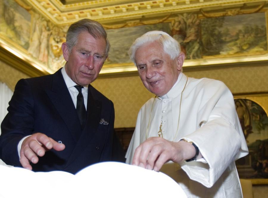 Papież zignorował księcia Karola