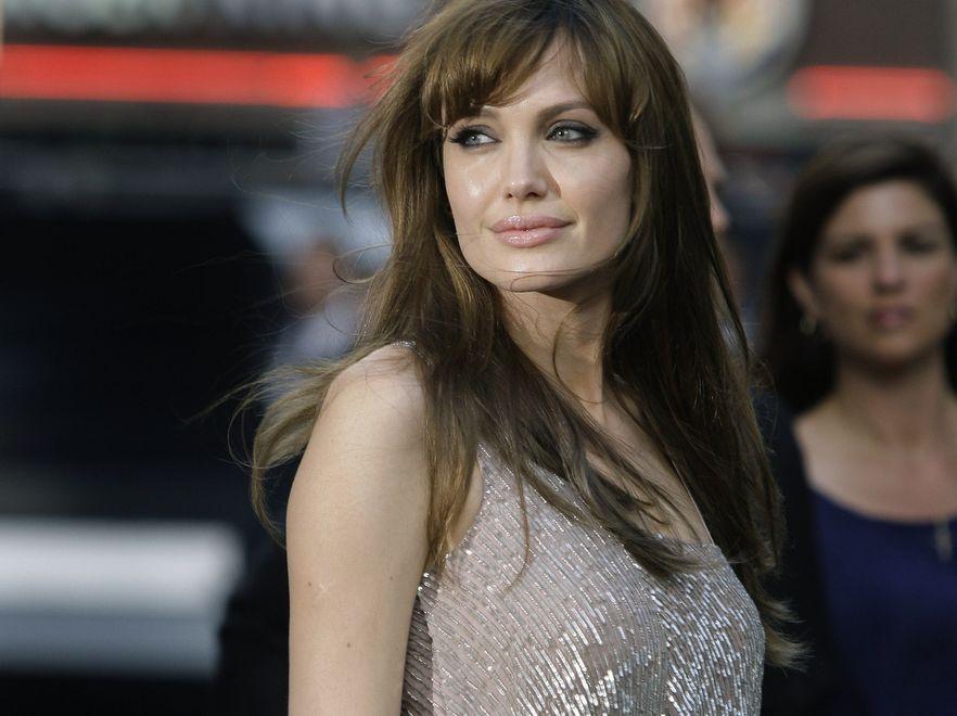 Angelina nie stanie u boku Batmana
