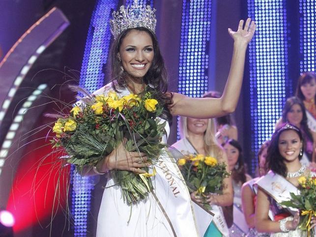 Zwyciężczyni konkursu Miss Supranational 2010 Karina Pinilla Corro