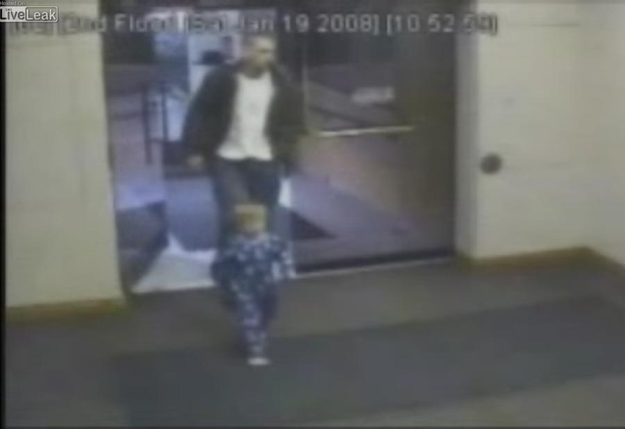 Zabrał na włam synka w piżamie