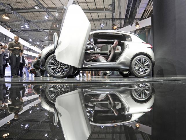 HR1 - nowy koncept Peugeota