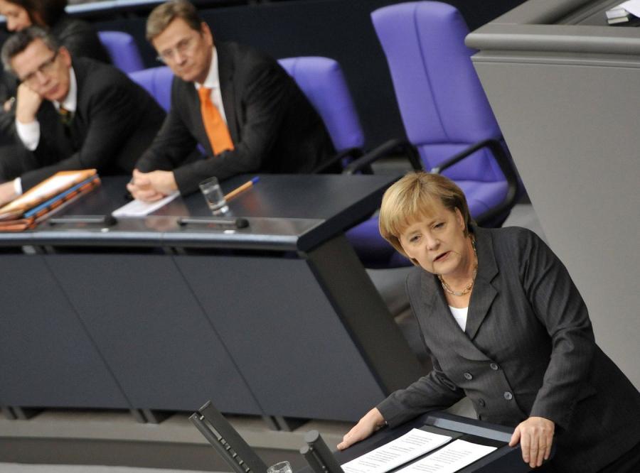 Analityk ostrzega. Francja i Niemcy chcą Unii dla wybranych