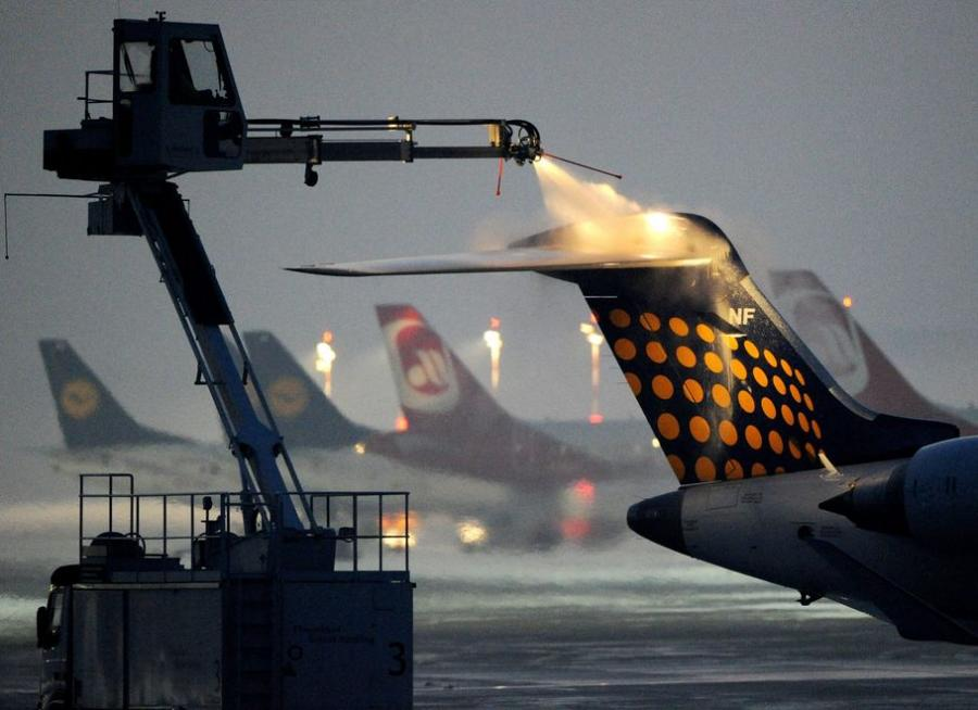 Brytyjski rząd ukarze władze lotnisk