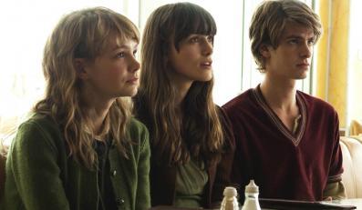Klony trzy: Kathy (Carey Mulligan), Ruth (Keira Knightley) i Tommy (Andrew Garfield)