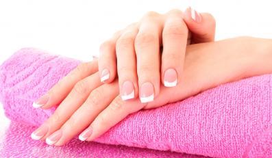 Wiosną zmień kolor paznokci!
