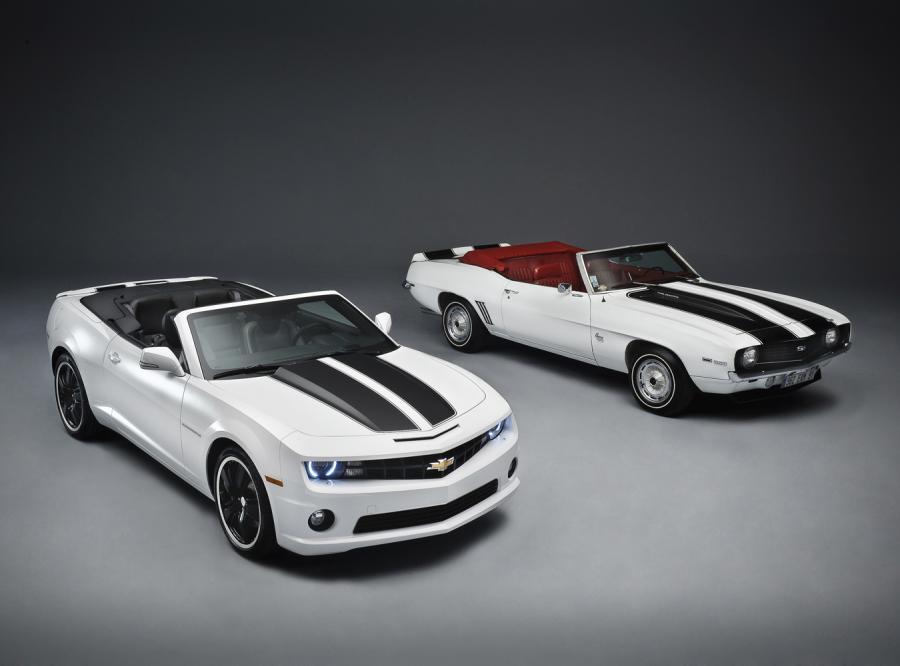 Chevrolet Camaro Convertible z 2011 i z 1969 roku