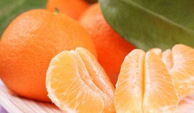 Mandarynki zawierają nobiletynę, która m.in. zapobiegała odkładaniu się tłuszczu w wątrobie