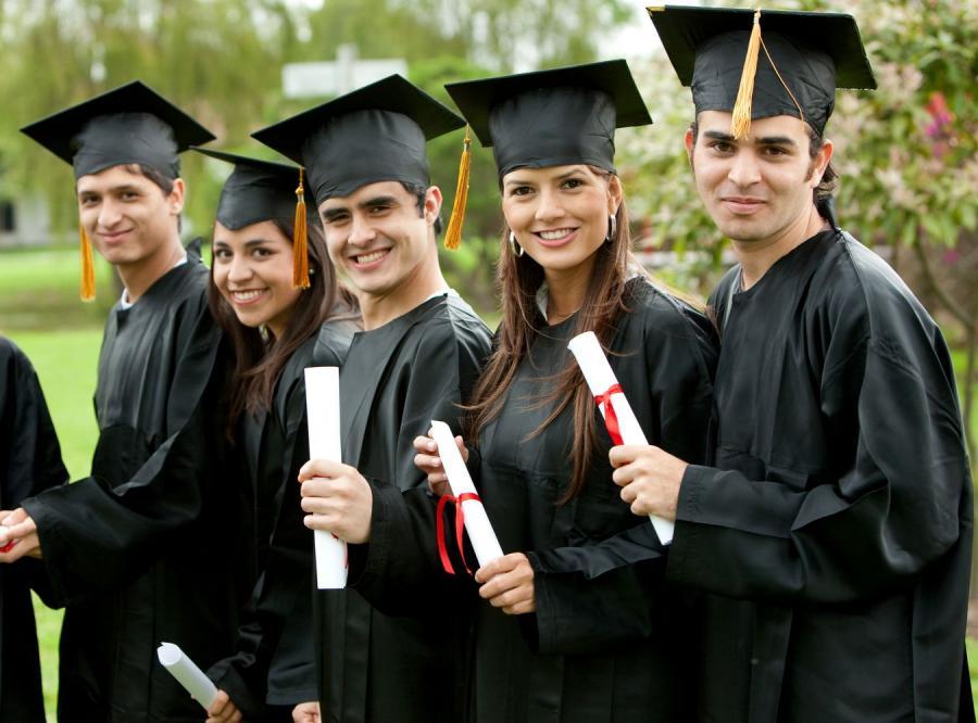 Studenci nie chcą uniwesrtytetów. Wolą politechniki
