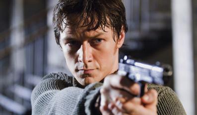 """James McAvoy w filmie """"Wanted: Ścigani"""""""