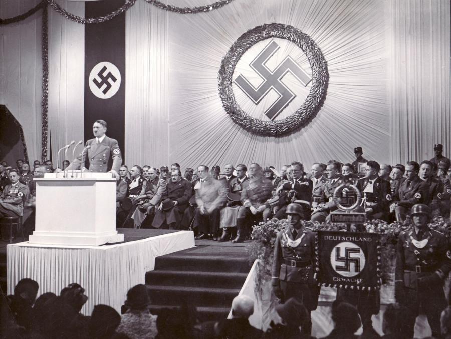 Adolf Hitler przeżył wojnę?