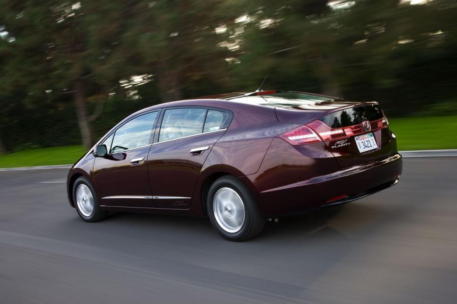 Honda Clarity wytwarza elektryczność w wyniku utleniania wodoru